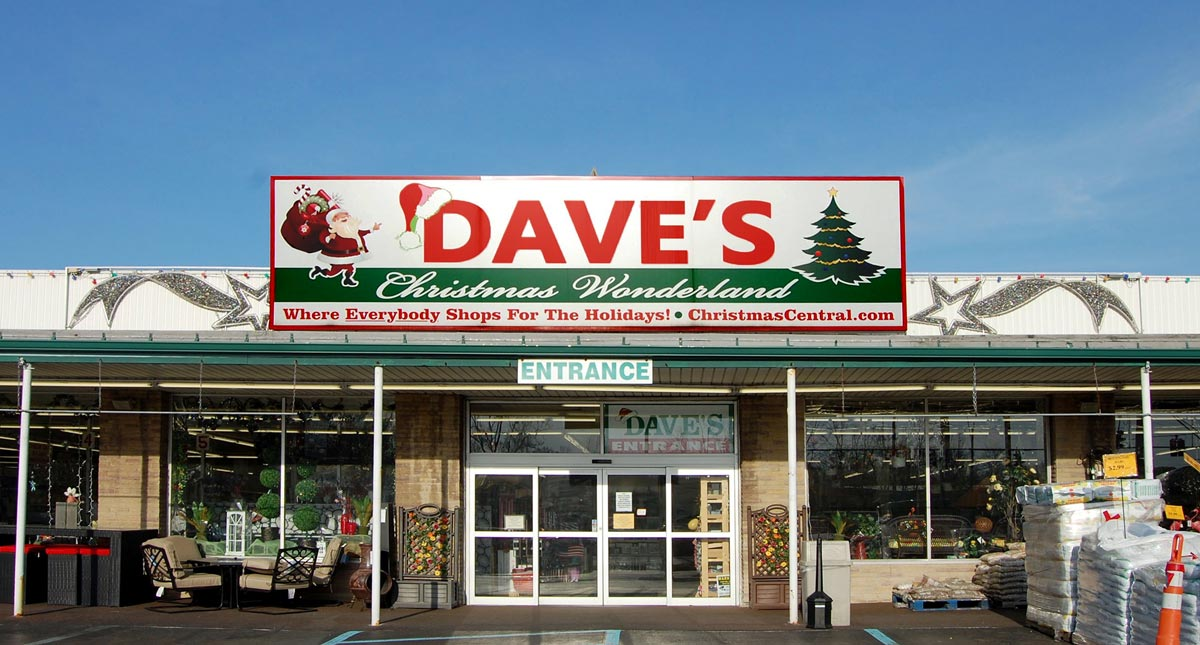 Front Entrance of Dave's Union Store