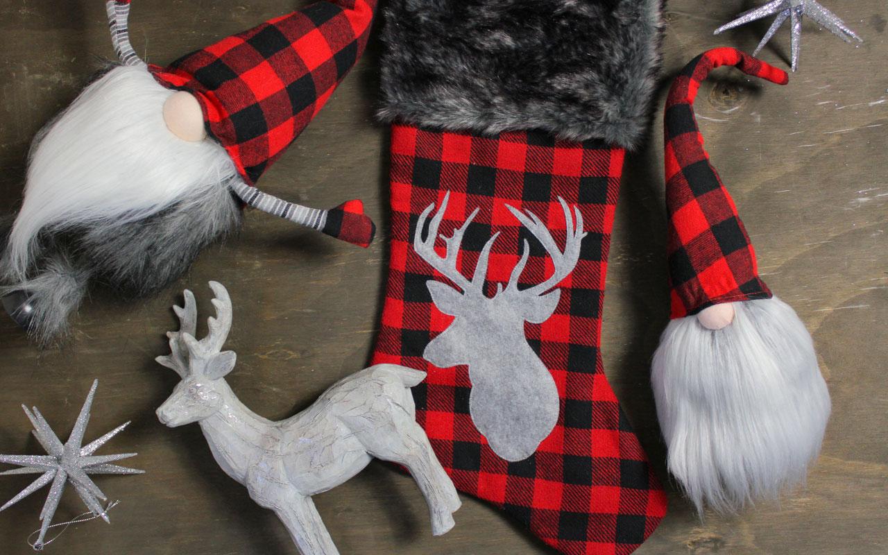 Buffalo Plaid Christmas Décor