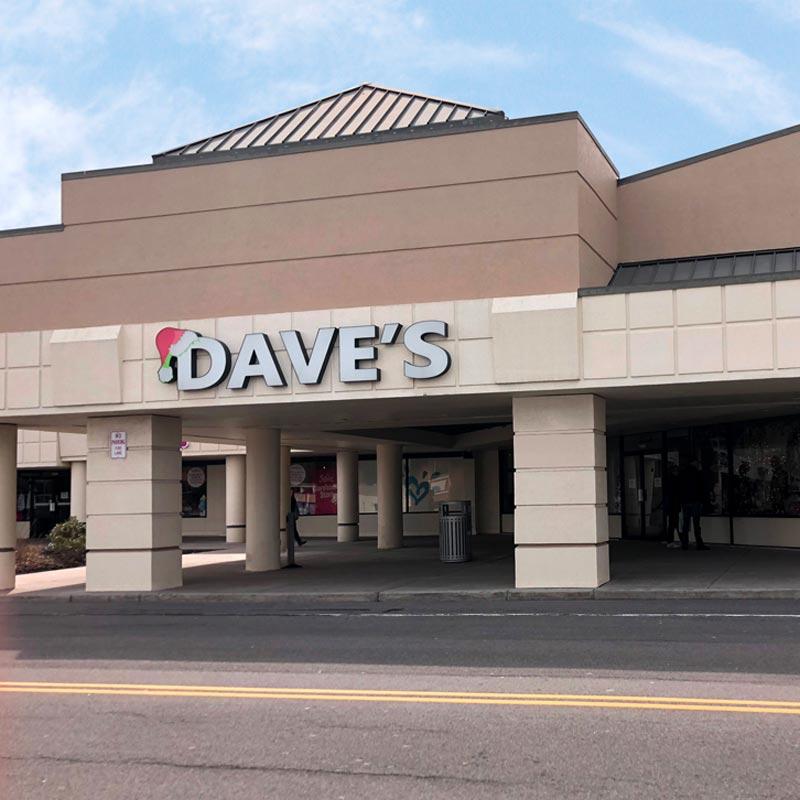 Front Entrance of Niagara Falls Store Location