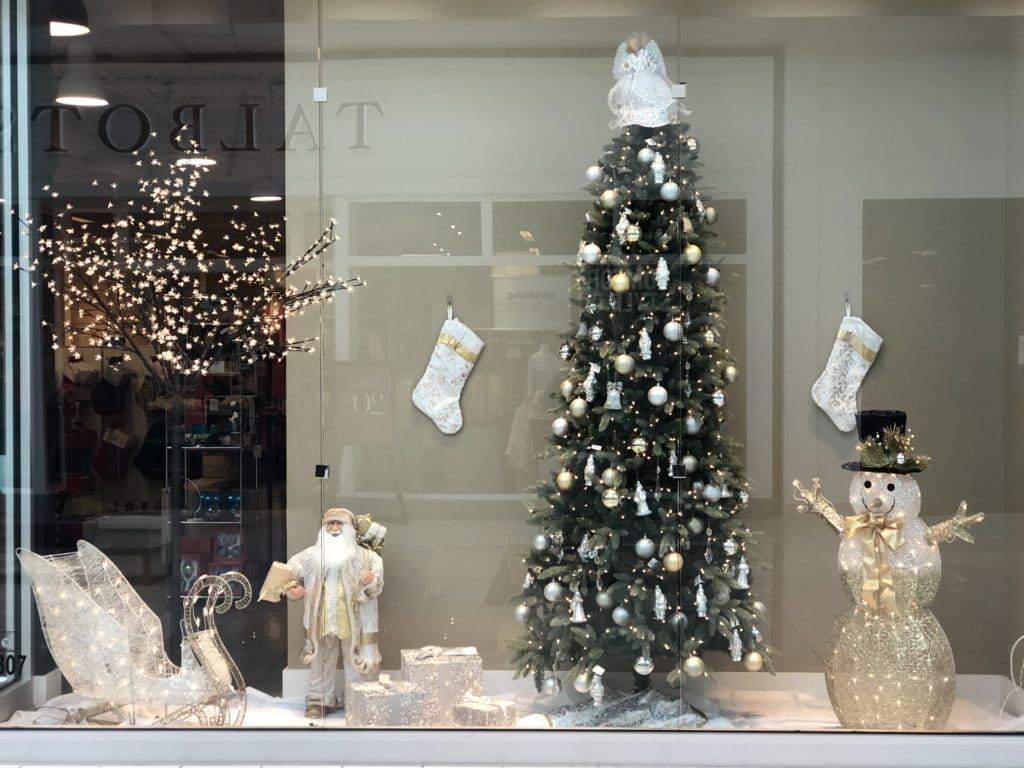 Niagara Falls Christmas Window Display